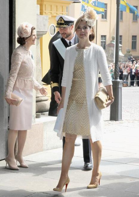 Крестины шведской принцессы Эстель. Королева  Швеции Сильвия, наследная принцесса Дании  Мэри и наследный принц Норвегии Хоакон. Фоторепортаж. Фото: Chris Jackson/Getty Images