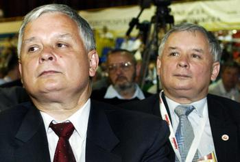 Лех (слева) и Ярослав Качинские. Фото: LUDMILA MITREGA/AFP/Getty Images