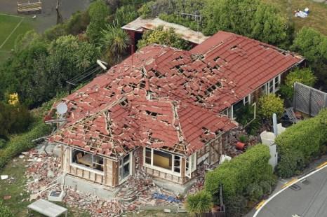 Новая Зеландия. Количество погибших в результате  землетрясения в Крайстчёрче возросло до 75 человек, введен режим ЧП и комендантский час. Фото: Martin Hunter/Hannah Johnston/Getty Images