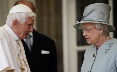 Папа Римский в Британии встретился  с королевой Елизаветой II. Фоторепортаж. Фото: Peter Macdiarmid/Dave Thompson - WPA Pool/Getty Images