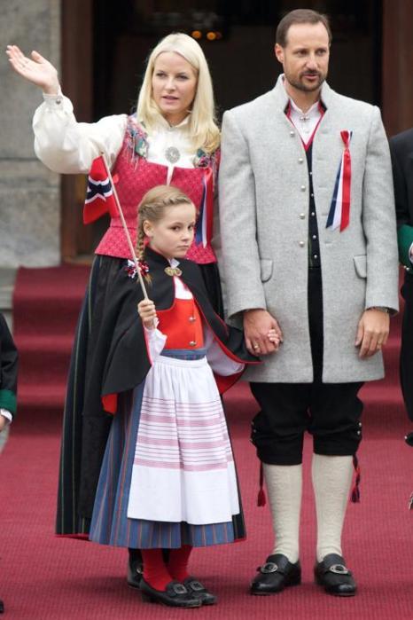 Королевская семья Норвегии празднует национальный день страны. Фоторепортаж. Фото: Ragnar Singsaas/Getty Images