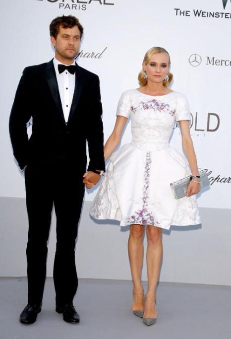 Знаменитости на мероприятии 2012 amfARs Cinema Against AIDS во Франции. Joshua Jackson; Diane Kruger. Фоторепортаж. Фото: Andreas Rentz/Getty Images