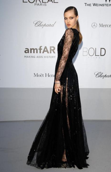 Знаменитости на мероприятии 2012 amfARs Cinema Against AIDS во Франции. Lindsey Wixson. Фоторепортаж. Фото: Andreas Rentz/Getty Images
