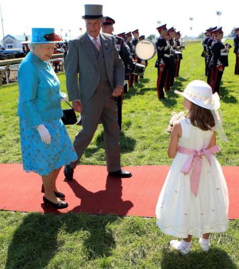 Визит королевы Великобритании Елизаветы II в Канаду. Фоторепортаж. Фото: FRED THORNHILL/AFP/Getty Images