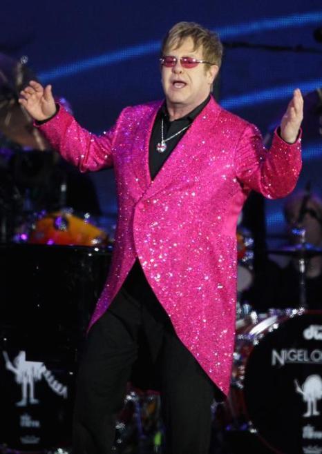 Концерт звезд  в честь бриллиантового юбилея  прошёл в Букингемском дворце. Элтон Джонс. Фоторепортаж. Фото: Dan Kitwood/Getty Images