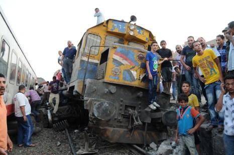 В Египте сошёл с рельс пассажирский поезд, 15 человек получили ранения.  Фото:  AFP/GettyImages