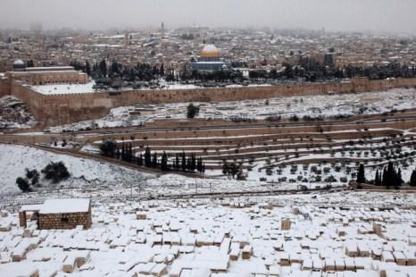 Снег в Израиле. Фото:   Uriel Sinai/Getty Images