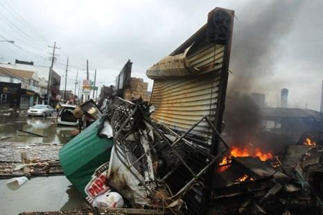 Фоторепортаж о последствиях урагана «Сэнди» в городах Восточного побережья США. Часть 2. Фото: Allison Joyce/Getty Images