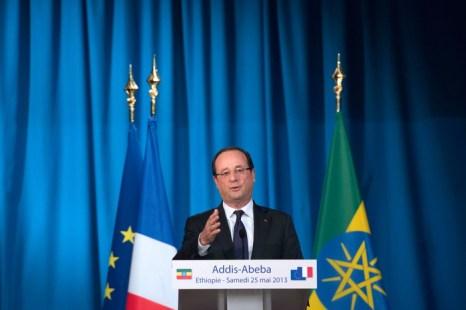 Президент Франции Франсуа Олланд произносит речь во время саммита по случаю 50-летия основания Африканского Союза в Аддис-Абебе, Эфиопия, 25 Мая 2013 года. Фото: BERTRAND LANGLOIS/AFP/Getty Images
