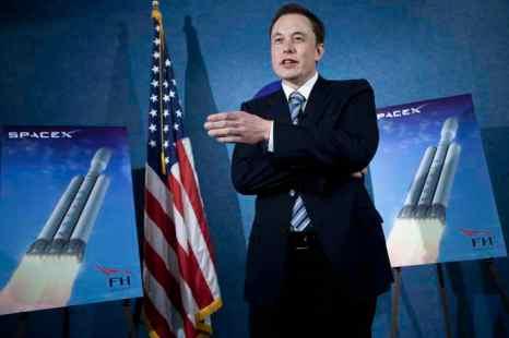 Элон Маск, генеральный директор компании Space Exploration Corp технологий. Фото: Brendan Smialowski/Getty Images