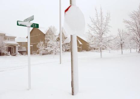 В США из-за сильных снегопадов погибли два человека. Фото: Jamie Squire/Getty Images
