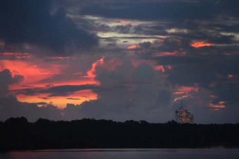 Фоторепортаж о предстартовой подготовке к запуску шаттла  Atlantis. Фото: Joe Raedle/Getty Images