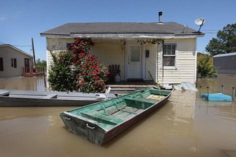 Фоторепортаж. Затоплении территорий в долине Миссисипи. Фото: Scott Olson/Getty Images