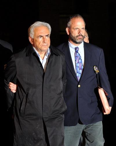 Фоторепортаж об аресте главы МВФ Доминика Стросс-Кана в Нью-Йорке. Фото: Brian Harkin/Getty Images