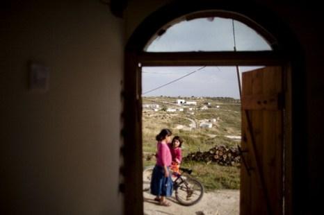 Фоторепортаж о нормализации обстановки в еврейских поселениях на Западном берегу реки Иордан. Фото: Uriel Sinai/Getty Images