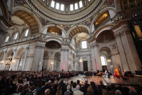 Далай-лама произносит речь 14 мая в лондонском соборе Святого Павла после награждения премией из фонда Джона Темплтона в размере 1 100 000 фунтов стерлингов. Фото: Oli Scarff/Getty Images