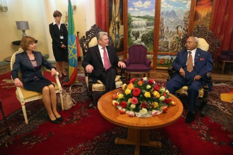 В своей первой поездке в качестве главы государства в Африку президент Германии Йоахим Гаук посетил Эфиопию 18 марта 2013 г. Фото: Sean Gallup/Getty Images
