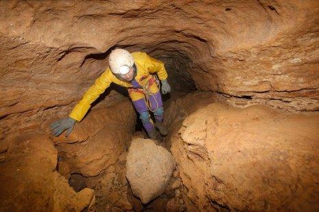 Спелеологи жандармерии и полиция обследуют пещеры пика Бюгараш на юге Франции20 декабря 2012 г. Фото: Patrick Aventurier/Getty Images