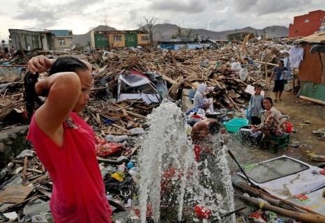 Тайфун «Хайянь» нанёс Филиппинам большие потери. Фото: Kevin Frayer/Getty Images