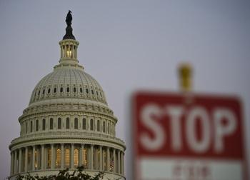 В США с 1 октября федеральные госучреждения приостановили свою работу. Фото: MLADEN ANTONOV/AFP/Getty Images