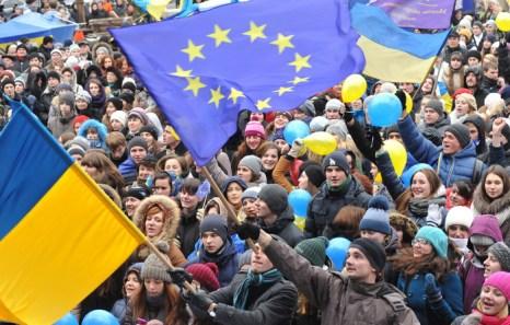 Подготовка документов к вступлению в Евросоюз была приостановлена украинскими властями 21 ноября. Это явилось причиной массовых протестов сторонников евроинтеграции, которые требуют отставки правительства и выборов нового президента. Фото: YURIY DYACHYSHYN/AFP/Getty Images