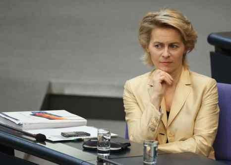 Пост министра обороны Германии впервые получила женщина — 55-летняя Урсула фон дер Лайен, имеющая семерых детей в возрасте 13-25 лет. Фото: Sean Gallup/Getty Images