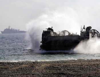 Корабль на воздушной подушке. Фото: JUNG YEON-JE/AFP/Getty Images