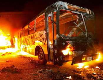 В Мексике автобус врезался в цистерну, погибли пять человек. Фото: DARIO NOLASCO/AFP/Getty Images