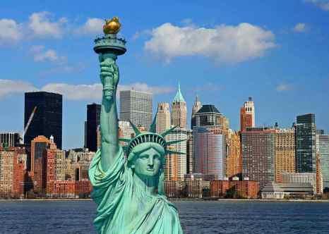 Нью-Йорк. Манхеттен. Статуя Свободы. В Нью-Йорке в одном из отелей района Манхеттен открылся ледяной бар, где можно спрятаться от изнуряющей летней жары. Фото с сайта flickr.com
