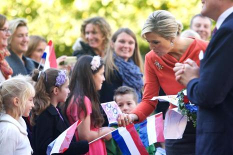 Король Нидерландов Виллем-Александр и его супруга, королева Максима, прибыли в столицу Норвегии с официальным визитом 2 октября 2013 года. Фото: Ragnar Singsaas/Getty Images