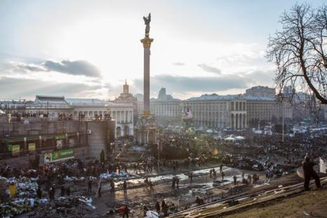 В столкновениях на киевском Майдане погибли 77 человек и 369 находятся в больницах на лечении, 20 февраля 2014 года.  Фото: Brendan Hoffman/Getty Images