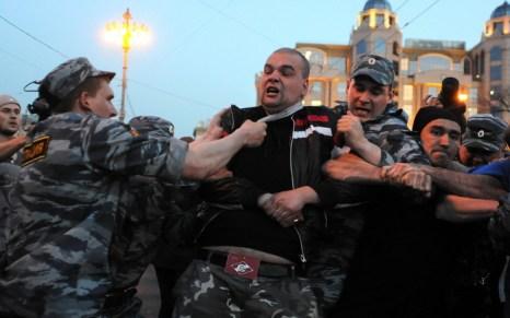 Более 400 человек задержано в Москве и Санкт-Петербурге. Фото: ANDREY SMIRNOV/AFP/GettyImages