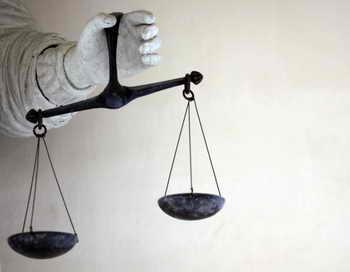 Избиратели смогут обжаловать в суде решения избиркомов. Фото: DAMIEN MEYER/AFP/Getty Images