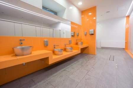 airportrestroom-shutterstock-145912412-WEBONLY