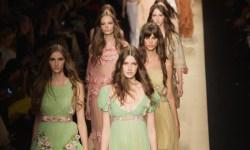 мода, Неделя моды, показ мод