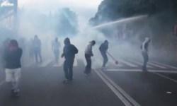 Полиция Неаполя применила слезоточивый газ и водомёты для разгона демонстрантов