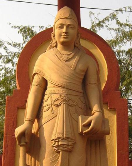 Статуя Чандрагупты Маурья, первого правителя династии и деда Ашоки. Фото: Public Domain