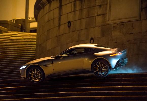Джеймс Бонд гоняет по улицам Рима на Aston Martin DB10, фильм «Спектр». Фото: Metro-Goldwyn-Mayer Studios Inc./Columbia Pictures/EON Productions/Danjaq, LLC and Columbia Pictures Industries, Inc.