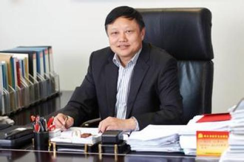 Пэй Цзяньцюнь, бывший председатель и партийный секретарь Шанхайской строительной группы, недавно был снят с поста. Фото: epaper.sucgcn.com