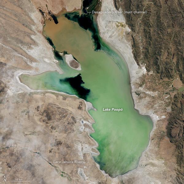 Озеро Поопо в 2013 году. Фото: NASA