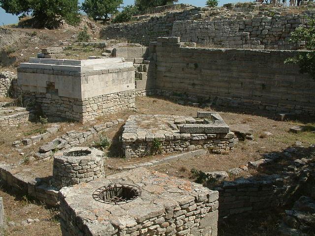 Руины Трои. Фото: wikipedia.org/CC BY-SA 3.0