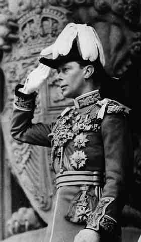 Король Георг VI в парадном мундире