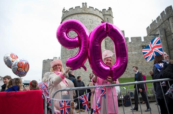 В Великобритании начались мероприятия в честь юбилея королевы Елизаветы II. Фото: JUSTIN TALLIS/AFP/Getty Images