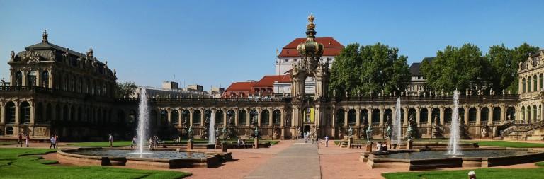 Цвингер ― самая знаменитая достопримечательность Дрездена. Он построен между 1711 и 1722 годами архитектором Маттиасом Даниэлем Пёппельманом по приказу князя Августа Сильного. Фото: Charles Mahaux