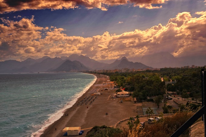 Побережье Анталии. Курорты Турции были одним из самых популярных турнаправлений среди россиян. Фото: pixabay.com/CC0 Public Domain