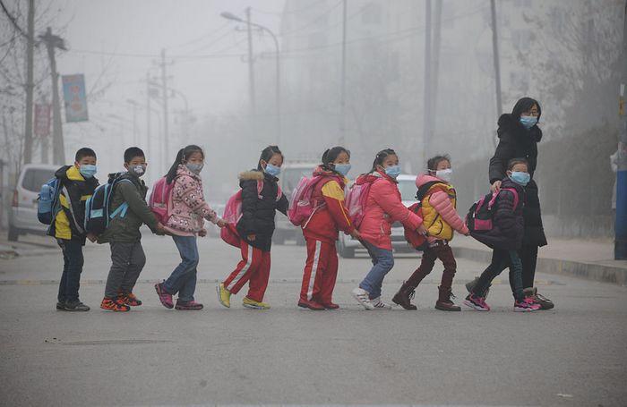 Смог в Пекине. Фото: STR/AFP/Getty Images