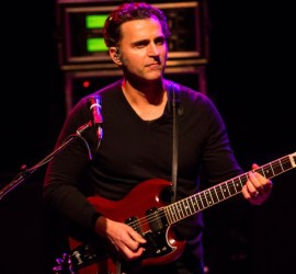 Dweezil Zappa performing at The Vic Theatre in Chicago on Nov. 16, 2018