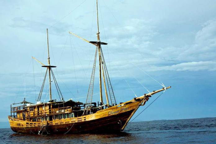 Indonesia Exclusive Trips Scuba Diving Holidays Equator Diving