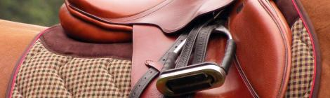 How is an English saddle made?