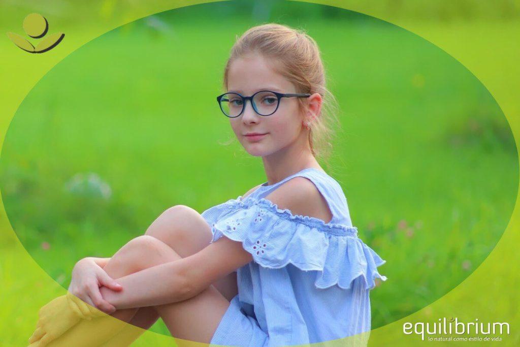 niños con lentes